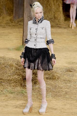 O tailleur Chanel: para menores de 21 anos