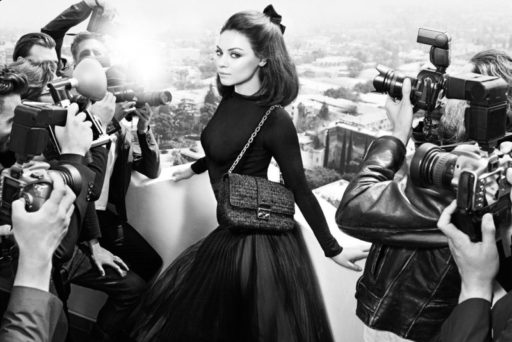 A atriz Mila Kunis na campanha da Dior