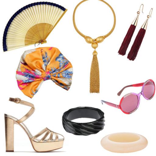Leque, colar, brincos, turbante, óculos, sandália e pulseiras com o estilo extravagante de Catherine Baba